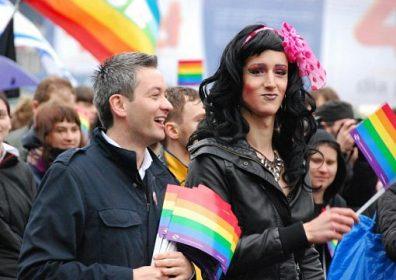 «Гей, славяне»: США делают ставку на ЛГБТ в информвойне с Россией