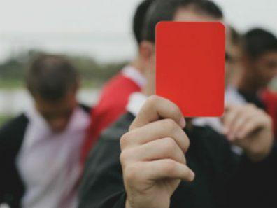 Красная карточка для Бабы-Яги